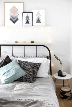 7 Valiant Hacks: Minimalist Home Declutter Life Changing minimalist living room cozy sofas.Cozy Minimalist Home Fall minimalist bedroom blue linens.Colorful Minimalist Home Front Doors. Home Decor Bedroom, Minimalist Bedroom, Bedroom Design, Room Inspiration, Home Decor, Small Bedroom, Room Decor, Apartment Decor, Minimalist Home Decor