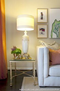 Jellyfish Table Lamp With Contemporary Living Room