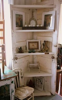 40 Creative Ways to Repurposed an Old Door - Vintage furniture that reuses and recycles old wood doors looks attractive and original. Creative recycled crafts and furniture design projects offer great inspiration for recycled old door tables by Joey