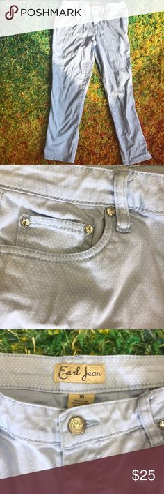 Women jeans Gorgeous baby blue jeans with rhinestones on corners of each pocket women size 10 with plenty of spandex Pants Skinny