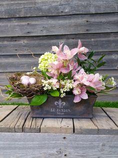 Flower Box Centerpiece, Centerpieces, Flower Boxes, Flowers, Floral Arrangements, Floral Wreath, Wreaths, Spring, Creative