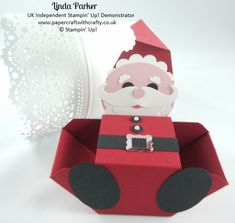 Papercraft With Crafty: Ho Ho Ho ! - box part is made with the envelope punch board. Details and punch list in the post. How To Make An Envelope, How To Make Box, Envelope Punch Board Projects, Envelope Maker, Treat Holder, Treat Box, Origami, Stampin Up Christmas, Handmade Christmas