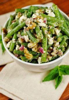 Grüne Bohnen Salat mit Feta und Wallnüssen