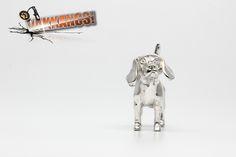 Vakkancs miniszobor kutyás ékszerek - Beagle ezüst miniszobor medál Beagle Dog Breed, Hungary, Sterling Silver Pendants, Dog Breeds, The Incredibles, Sculpture, Jewels, 3d, Dogs