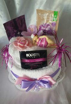 Geburtstagsgeschenk - Handtuchtorte - Entspannung- Auszeit - für die Frau bestehend aus: 2 weißen Handtüchern 100% Baumwolle Trockner geeignet flauschig weich 50x100cm 1 weißen...
