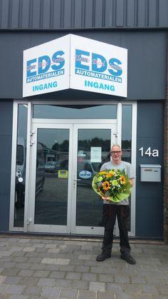 Rinus Peeks van harte gefeliciteerd met het 12,5 jarig jubileum van EDS. Op naar de volgende 12.5 jaar! EDS Beilen de startmotoren, dynamo's en brandstofpompen specialist van Drenthe. http://koopplein.nl/middendrenthe/7904343/rinus-peeks-van-eds-van-harte-gefeliciteerd.html