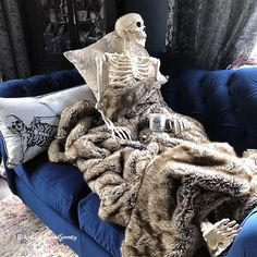 """Sue J - Halloween 🖤🎃🖤 on Instagram: """"7️⃣4️⃣ Days to go... Day 27 of #100daysofhalloweenhappy is...BLANKET. It may be August, but Lady Skelita's feeling the cold. Wrapped up in…"""" Halloween Make, Halloween Fashion, Gypsy Soul, Merino Wool Blanket, Witchcraft, Halloween Decorations, Thanksgiving, Cold, Feelings"""