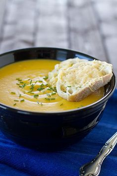 Golden Winter Soup by Cooking Light. Butternut squash, potato and leeks are just a few of the ingredients. Soup Recipes, Vegetarian Recipes, Cooking Recipes, Easy Recipes, Winter Soups, Winter Food, Korma, Biryani, Bowl Of Soup