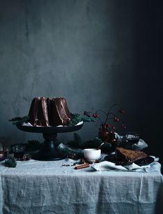Call me cupcake: Gingerbread bundt cake with lingonberries