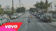 J. Cole (ft. Amber Coffman) - She Knows. Repare como a música impulsiona essa saga desse guri ferrado (e vice-versa). (Pay attention on how this song boosts this poor fucked-up boy's saga (and vice-versa)) (dir.: Sam Pilling) (21/02)