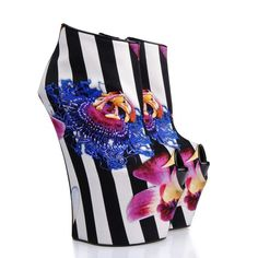Wedge - Shoes Giuseppe Zanotti Design Women on Giuseppe Zanotti Design Online Store @@NATION@@ - Spring-Summer collection for men and women. Worldwide delivery.| E37028 001