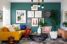 Image may contain: table, living room and indoor Colourful Living Room, Living Room Green, Colorful Rooms, Design Your Home, House Design, Interior Design Kitchen, Interior Decorating, Interior Modern, Living Room Furniture