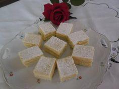 Krémes hókocka – élvezet minden falat! :) Feta, Dairy, Cheese, Cooking, Cake, Minden, Recipes, Kitchen, Kuchen