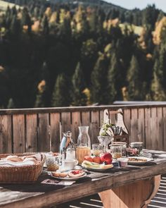 Just had to think back at this summer shooting in St. Johann in Pongau. Over 30 degrees and we were shooting traditional Austrian dishes outside 😅. I think now would be the right time for hashtag . Food Photography Props, 30 Degrees, Alps, Austria, The Outsiders, Table Settings, Traditional, Dishes, Mountains