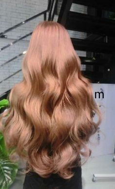 Hair Hair - Station Of Colored Hairs Beautiful Long Hair, Gorgeous Hair, Messy Hairstyles, Pretty Hairstyles, Lauren Bacall, Grunge Hair, Gold Hair, Hair Day, Hair Looks