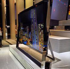 Samsung Mammoth S9 UHD TV