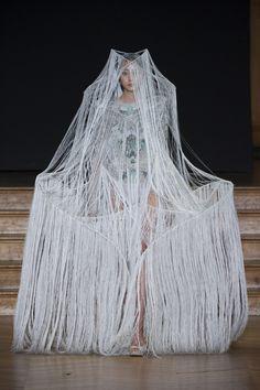 Yiquing Yin Haute Couture 2013