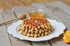 Comfy Belly: Almond Flour Waffles