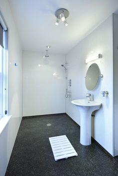 Unled Mountain Viewbathroomwet