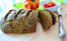 (Zentrum der Gesundheit) – Glutenfreie Brote, die man im Handel kauft, lassen oft zu wünschen übrig. Zwar sind sie glutenfrei. Doch sind sie oft weder vegan noch besonders schmackhaft. Meist enthalten sie überdies noch eine Vielzahl an stark industriell verarbeiteten oder synthetischen Zusatzstoffen, die nicht jeder im Brot haben will. Unser Hanfbrot – made by Elfe Grunwald – ist daher nicht nur glutenfrei, lecker und vegan, sondern überdies frei von fragwürdigen Zusätzen. Guten Appetit!