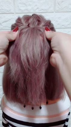 Frisuren-Tutorial 874 - New Ideas - Hairstyle Tutorial 874 Semirecogido - Medium Hair Styles, Natural Hair Styles, Short Hair Styles, Medium Hair Tutorials, Short Hair Dos, Short Hair Hacks, Hairstyle Tutorials, Easy Hairstyles For Long Hair, Braided Hairstyles