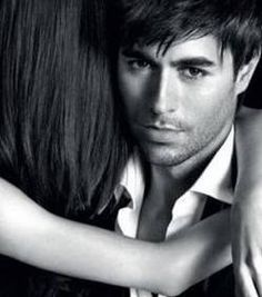 enrique iglesias et sa femme - Recherche Google Enrique Iglesias, Concert, Movie Posters, Movies, Fictional Characters, Fan, Campaign, Sexy, Google