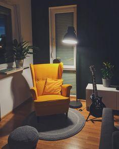 Bar Chair Vintage - Ikea Chair Vanity - Black Chair Cushion - Chair Exercises For Thighs - Annie Sloan Painted Chair Living Room Chairs, Home Living Room, Living Room Decor, Dining Chairs, Ikea Yellow Chair, Strandmon Ikea, Ikea Armchair, Swivel Chair, Sofa Design