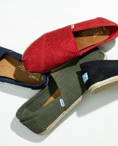 toms toddler shoes,toms canada,toms boots want it!Toms shoes outlet one for one! Cheap Toms Shoes, Toms Shoes Outlet, Toms Boots, Look Fashion, Fashion Shoes, Womens Fashion, Fashion Design, Fashion Trends, Red Toms