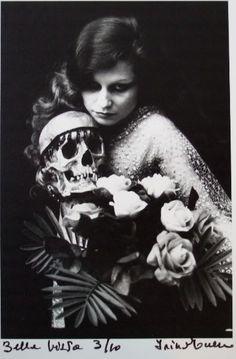 Irina Ionesco (mother of Eva Ionesco), Portrait as in Victorian times. Vanitas, Vintage Photographs, Vintage Photos, Antique Photos, Vampires, Aesthetic Couple, French Photographers, Favim, Skull And Bones