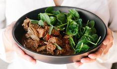 A great option for those of you on Phase Two of the 4 Phase Fat Loss Protocol - bursting with flavour and so easy to put together. Spiced Beef, Slow Cooked Beef, Healthy Recipes, Healthy Meals, Spinach, Slow Cooker, Fat, Vegetables, Clean Meals