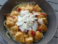 Spaghetti au Poulet, Crème au Pesto Rosso, Parmesan, Tomates séchées