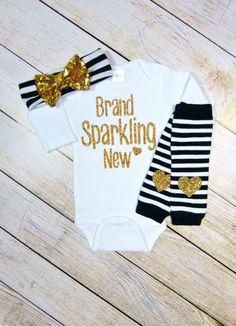 Muchacha recién nacida traje marca brillante nuevo Set de regalo de traje  negro blanco rayas oro 2d2d2e036e07