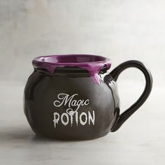 Our cauldron-inspired ceramic mug is just what you need to enjoy all your favorite Halloween brews. Our cauldron-inspired ceramic mug is just what you need to enjoy all your favorite Halloween brews. Cute Coffee Mugs, Cool Mugs, Tea Mugs, Coffee Cups, Coffee Coffee, Coffee Time, Morning Coffee, Objet Harry Potter, Banishing Spell