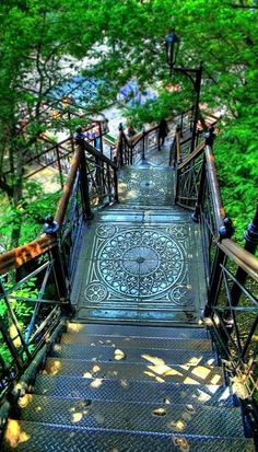 A beautifully designed staircase in Montmartre, Paris. Find gorgeous details and hidden wonders in the city of romance, here: http://bit.ly/15fwz3g.