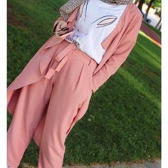 "260 Beğenme, 3 Yorum - Instagram'da Salam Agha. (@pinky.heejab): ""🌸🌸🌸🌸🌸🌸🌸🌸🌸 #pinkyheejab #hijabblog #hijabfashion #myhijab #hijabmuslim  #hijaboutfits #hijabchic…"""
