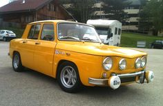 My father owned a yellow Renault 8S in Spain...one of the best cars EVER we had no issues with it.....