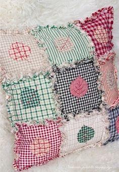 Подушка из лоскутов