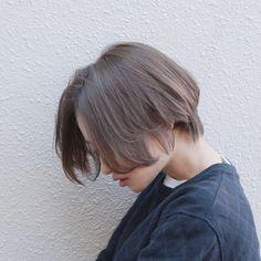 スタイリスト:高橋 彩美のヘアスタイル「STYLE No.25796」。スタイリスト:高橋 彩美が手がけたヘアスタイル・髪型を掲載しています。