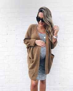 Maternity Style: Transition from Summer to in a soft gray frock & cozy cardigan combo care of chic maternity wear. Maternity Style: Transition from Summer to in a soft gray frock & cozy cardigan combo care of chic maternity wear. Fall Maternity Outfits, Summer Maternity Fashion, Stylish Maternity, Maternity Pants, Maternity Wear, Maternity Styles, Winter Maternity Style, Pregnant Fashion Summer, Maternity Underwear