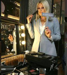 Blazer, Jackets, Beauty, Women, Fashion, Down Jackets, Moda, Fashion Styles, Blazers