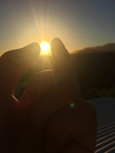 Sun💕my love 😍 Summer Nature Photography, Tumblr Photography, Sunset Photography, Girl Photography Poses, Sky Aesthetic, Aesthetic Photo, Aesthetic Pictures, Emotional Photography, Shadow Pictures