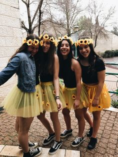 Costume Cute Group Halloween Costumes, Purim Costumes, Halloween Inspo, Halloween 2019, Cute Costumes, Halloween Outfits, Group Costumes, Costume Ideas For Groups, Carnaval Costume