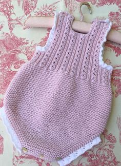 """Pretty sunsuit ~~ Peto [ """"P Newborn Crochet Patterns, Baby Patterns, Baby Pullover, Baby Cardigan, Knit Or Crochet, Crochet For Kids, Baby Outfits, Diy Romper, Baby Romper Pattern"""
