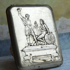 vintage cigarette case... Home Decor... Feb 10 L by CoolVintage, $23.50