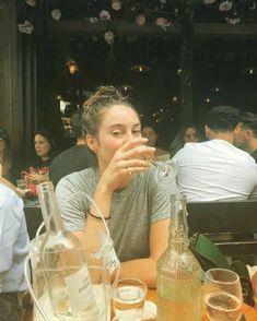 Emily Osment, Sophie Marceau, Shailene Woodley, Park Shin Hye, Josh Duhamel, Alyson Hannigan, Anne Hathaway, Jennifer Garner, Emma Stone