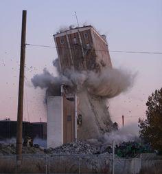 Building Demolition Cargill Federal Grain Elevator, Calgary