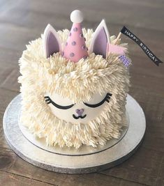 animal cakes Cute unicorn llama cake by ohcakeswinnie What animal would people like to see in a buttercream cake . Cupcakes, Cake Cookies, Cupcake Cakes, Shoe Cakes, Llama Birthday, 9th Birthday, Cute Birthday Cakes, Girl Cakes, Savoury Cake