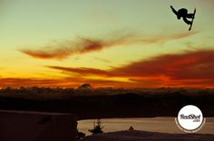 Red sky at night, snowboarder's delight...