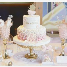 : @cforcupcakes #itsagirl #cake #dekorasjon #decoration #inspiration #inspirasjon #babykake #pink #rosa #kakebord #babyfest #jente #babyshower #gravid #baby #detlilleekstra #dinbabyshower