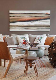 Decoração de: Sala de estar - parede marrom; Casa de Valentina